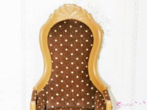 Armchair with the dots