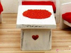 Table with heart