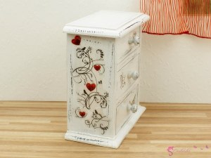 High chest of drawers in birds and hearts