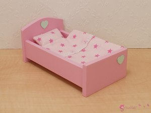 Small bed with heart