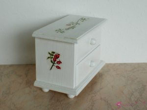 "Low chest of drawers ""rose garden"""